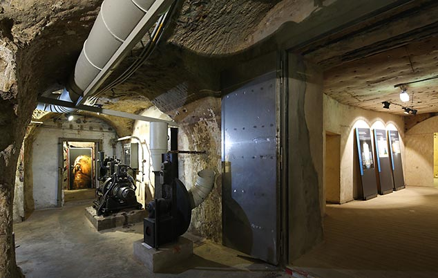 Hours | World War II Art Bunker